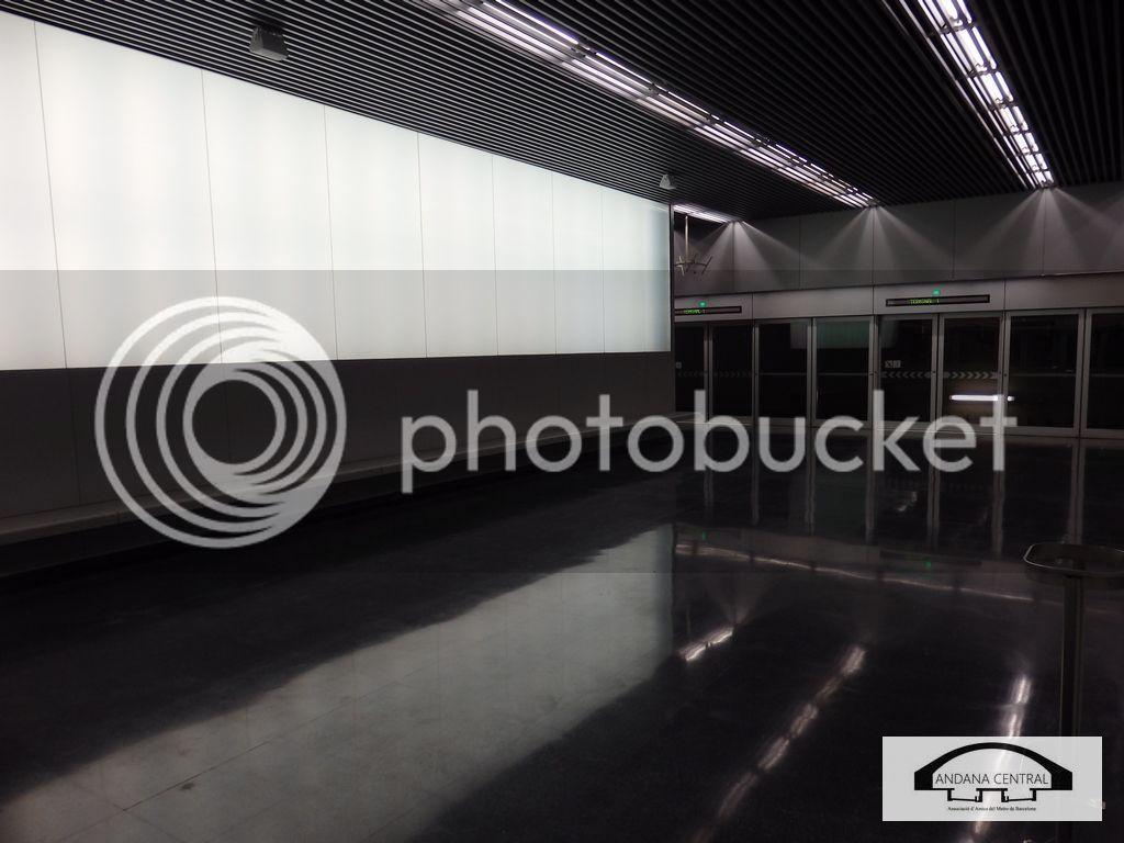 Visita al nou tram de l'aeroport. Febrer 2015 P2110704_zpsvoqev3lm