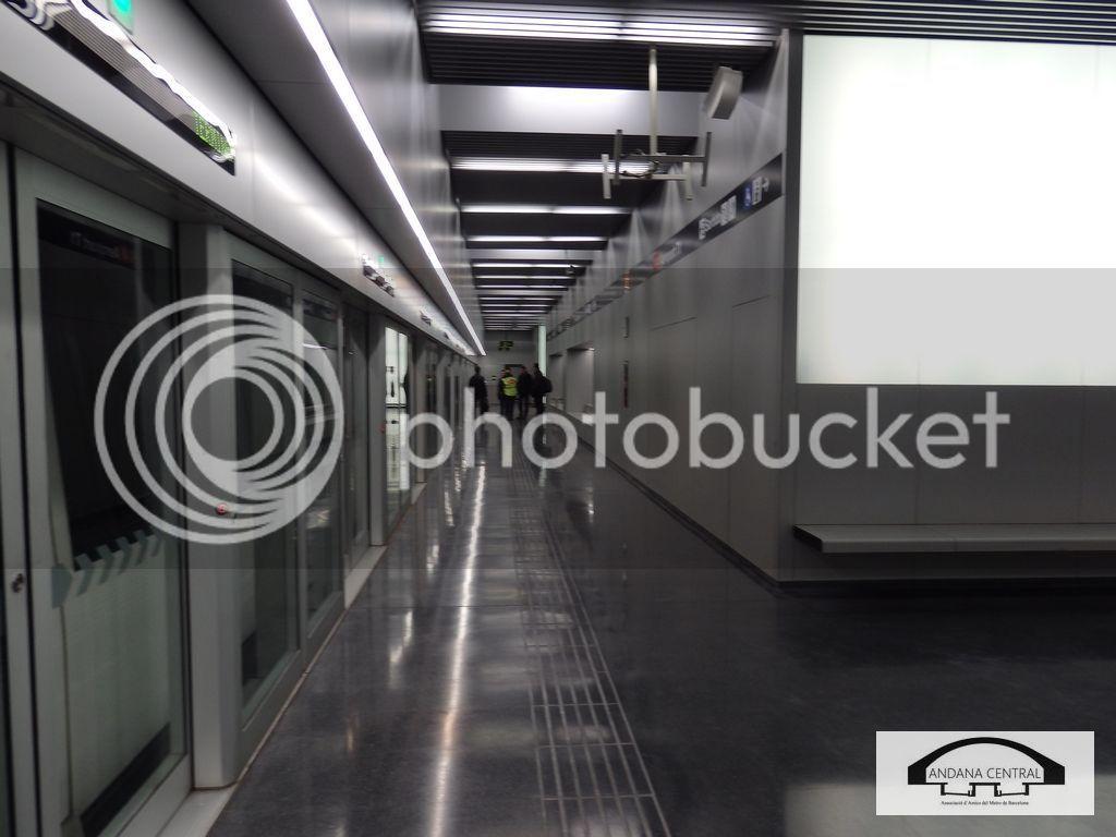 Visita al nou tram de l'aeroport. Febrer 2015 P2110705_zpsvn4ayt4h
