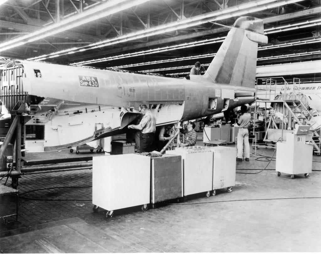 Grumman A-6 Intruder y EA-6B Prowler Grum163Plant2A6Aassembly