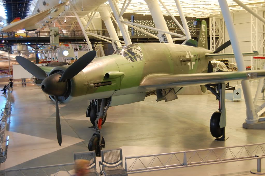 Udvar-Hazy Center, National Air and Space Museum 32aaa1