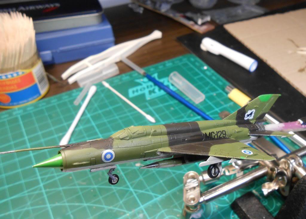 1/144 Eduard Mikoyan-Gurevich MiG-21bis Fishbed-L  DSCN1499_zps02a3c05a