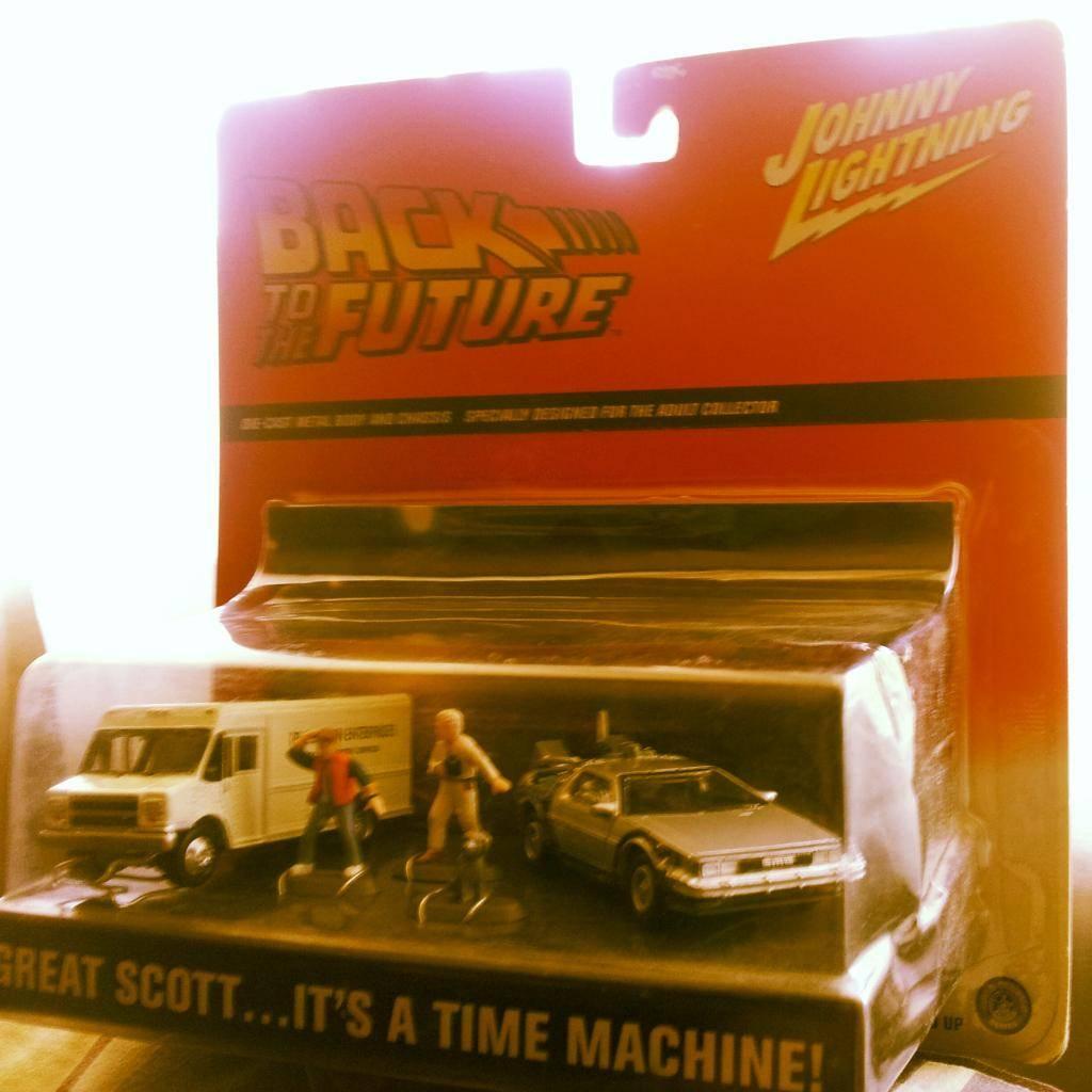 Back to the future 1:64 colección completa IMG_20130219_162216_zps4ba81d9d