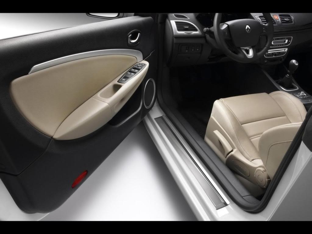 2010 Renault Megane Coupe-Cabriolet MeganeCC-7