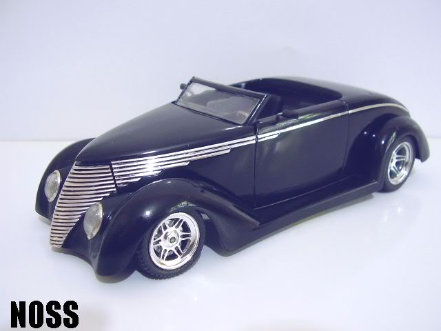 37 Ford Smoothster (Black) P6230018