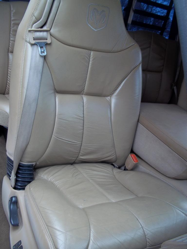 FS: 2000 Dodge Ram 2500 5.9L Cummins Flatbed FrontPassSeat