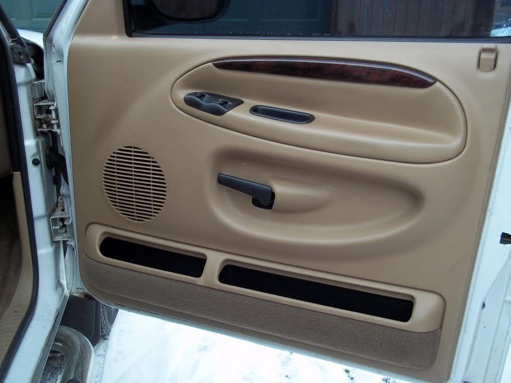 FS: 2000 Dodge Ram 2500 5.9L Cummins Flatbed PassFrontDoor