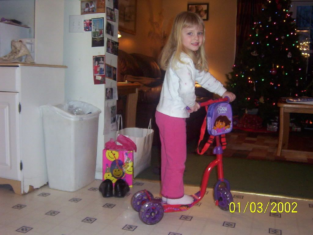 enjoy the pics of my 4 year old sister..... 000_0862