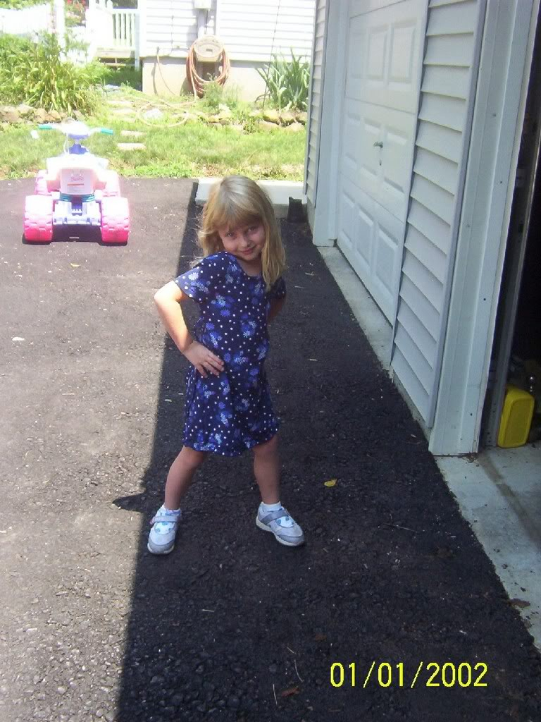 enjoy the pics of my 4 year old sister..... Iloveyouave-1