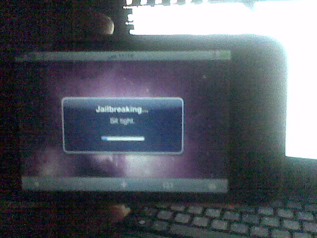 iphone 3GS successfully jailbroken and unlocked 1-35
