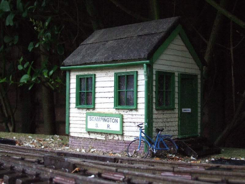 Resurrecting another long-lost thread... the Scampington Signal Cabin JM_Sig_Cabin_2