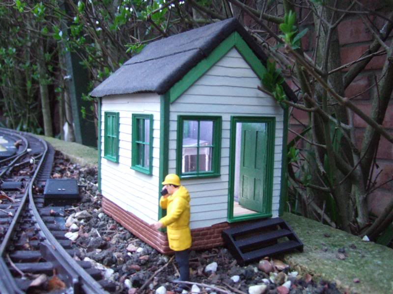 Resurrecting another long-lost thread... the Scampington Signal Cabin JM_Sig_Cabin_4a