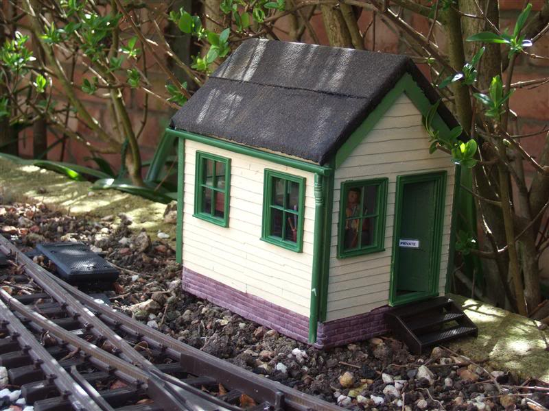 Resurrecting another long-lost thread... the Scampington Signal Cabin JM_Sig_Cabin_5a