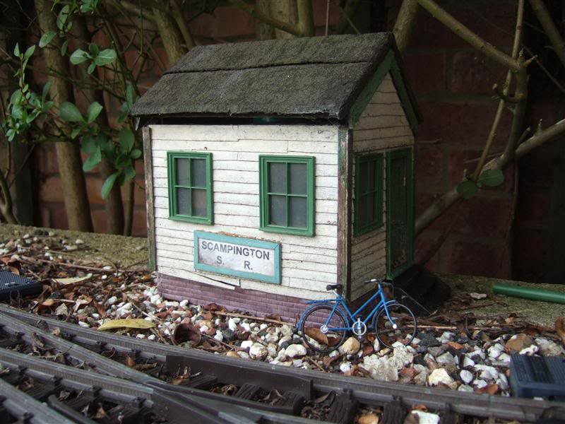 Resurrecting another long-lost thread... the Scampington Signal Cabin JM_Signal_cabin_7