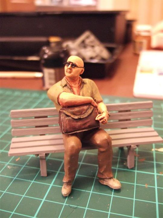 Another Quick Figure... a seated passenger Punter_with_holdall_2