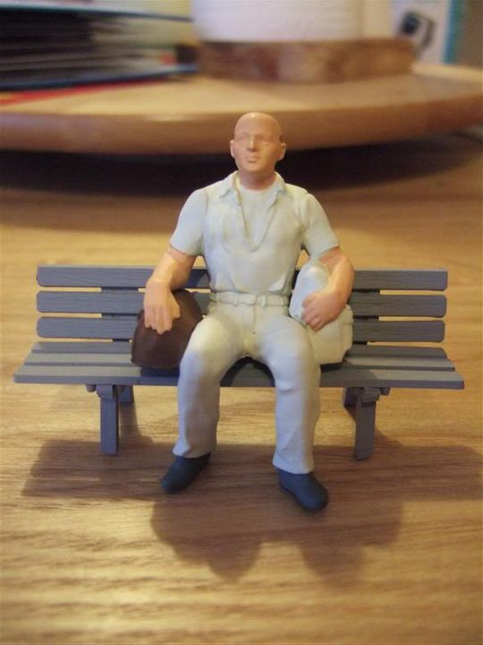Another Quick Figure... a seated passenger Punter_with_holdall_orig