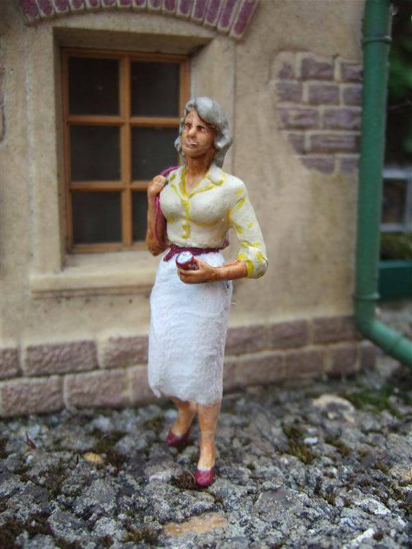 The 'YAF' (Yet Another Figure) Missing Back-Catalog... Womaninskirt2