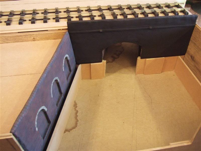 An indoor diorama in G-scale - Page 4 Canal_Crossing92b