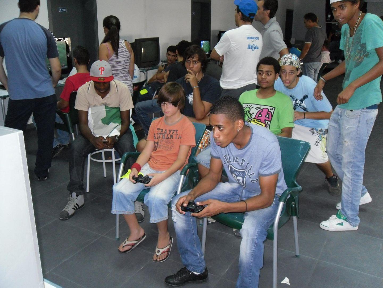 2º Torneio Lisboa e Arredores - 11 de Setembro [PES2010] - Página 5 SAM_0470