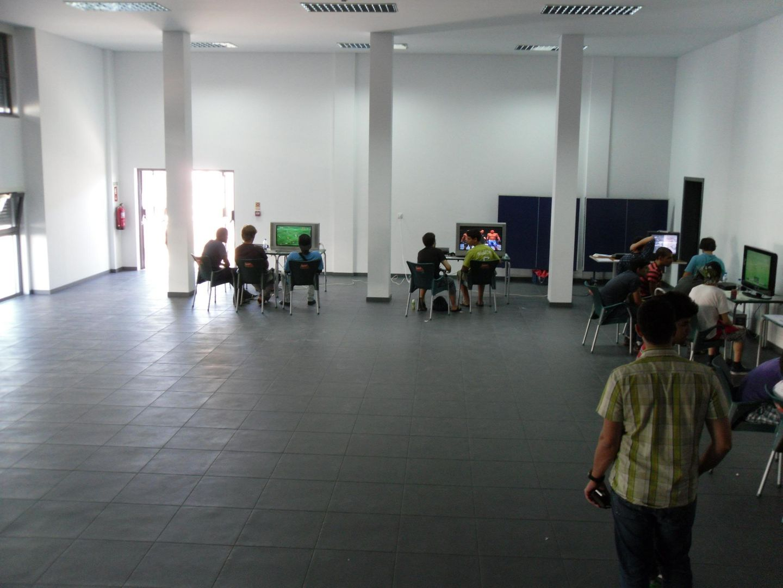 2º Torneio Lisboa e Arredores - 11 de Setembro [PES2010] - Página 5 SAM_0490