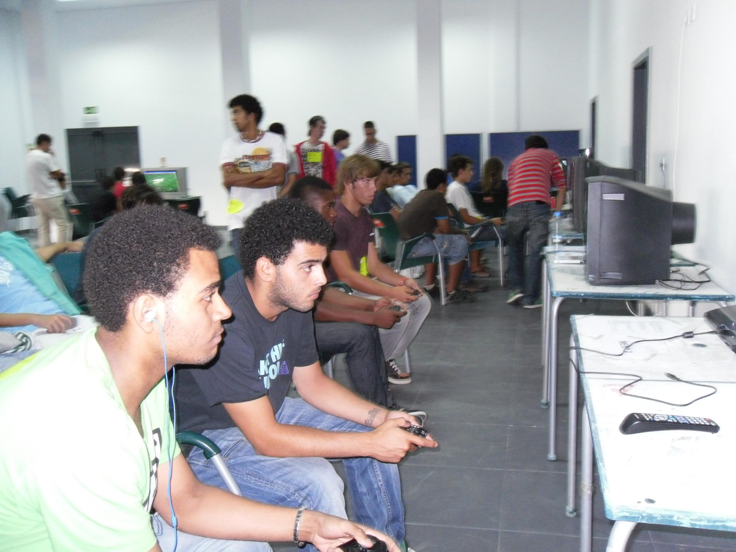 2º Torneio Lisboa e Arredores - 11 de Setembro [PES2010] - Página 5 SAM_0494