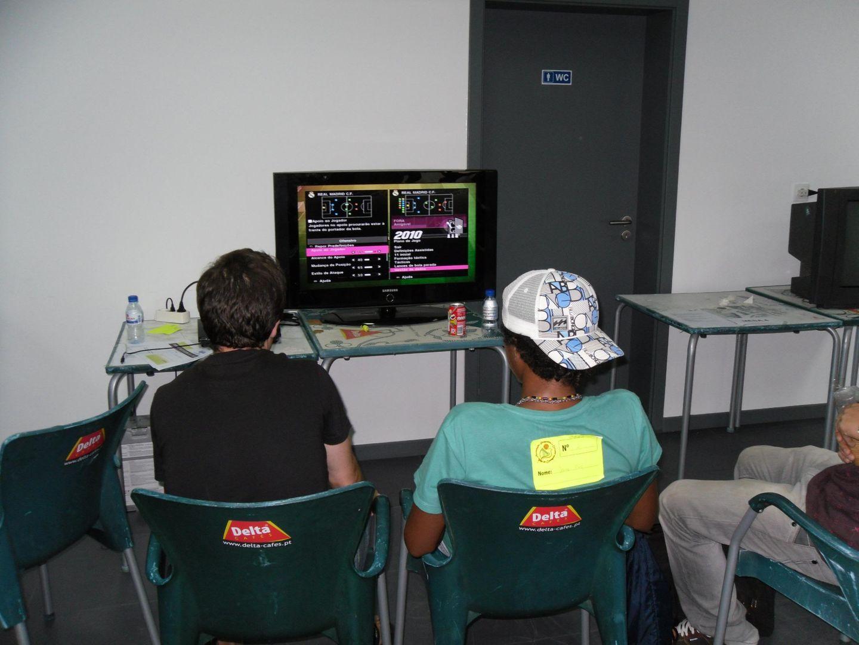 2º Torneio Lisboa e Arredores - 11 de Setembro [PES2010] - Página 5 SAM_0508