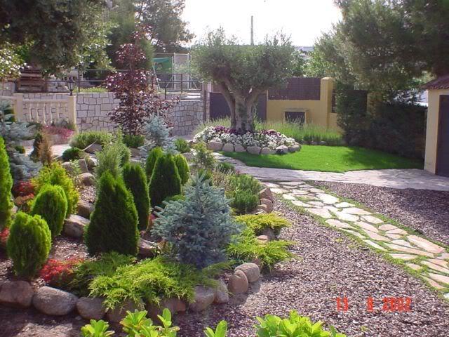 plantar piedras FoEstanques-jardines-01