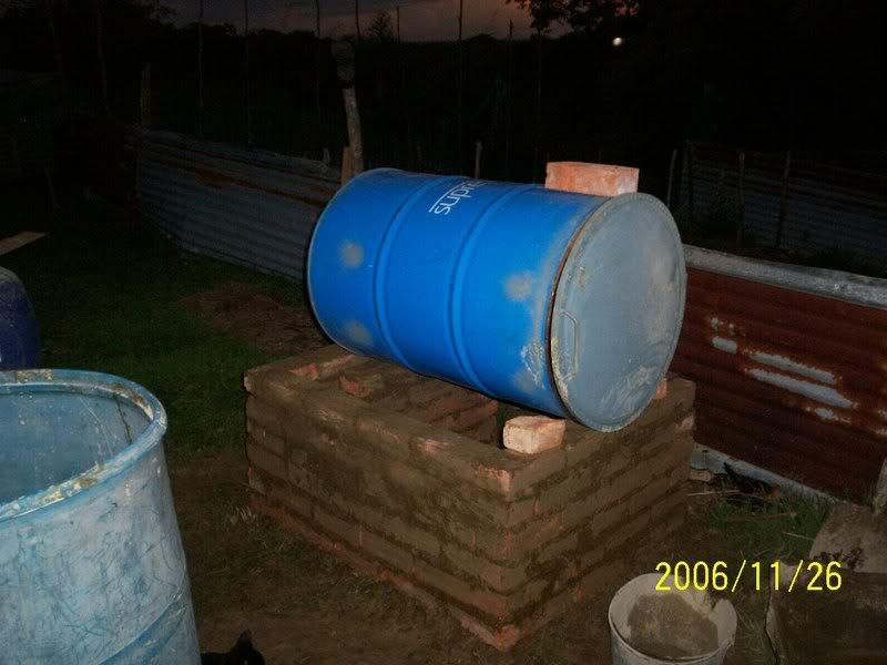 Horno de metal, barro y ladrillo Llanos1121