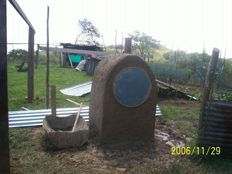 Horno de metal, barro y ladrillo Llanos1131
