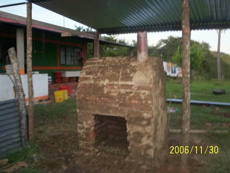 Horno de metal, barro y ladrillo Llanos1142