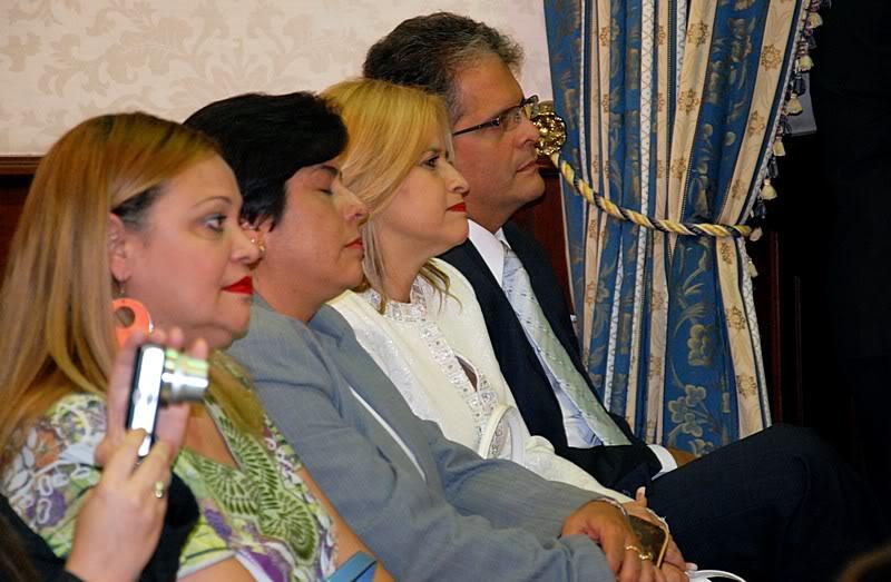 Ceremonia de primer dia de venta Sello de la bandera de Puerto Rico 20110811-04033
