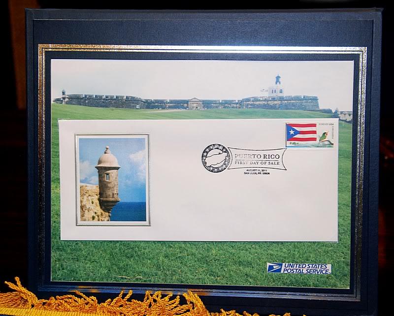 Ceremonia de primer dia de venta Sello de la bandera de Puerto Rico 20110811-04079