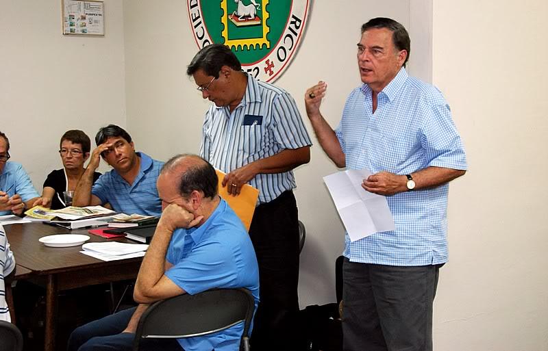 Reunion de la junta, seleccion de nueva directiva y banquete Puripex!  20111016-07670
