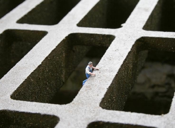Mundos en miniatura [FotografiASS & Design] Drain2BGuy2B12B-2Bblog