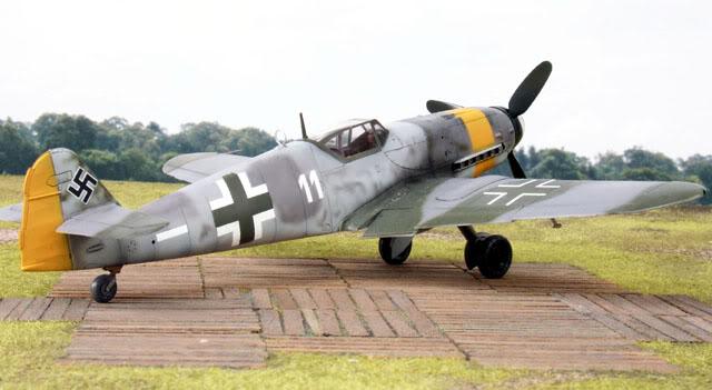 MARCO!!  I FINISHED - FINAL PICS! Bf109G-10U4White11RosemarieII-JG52N_zps4aa7c31e