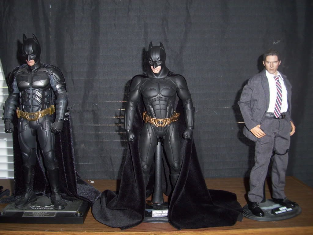 [Hot Toys] Batman Begins: Batman/ Bruce Wayne (2011 Toy Fairs Exclusive)  - Página 32 100_1007