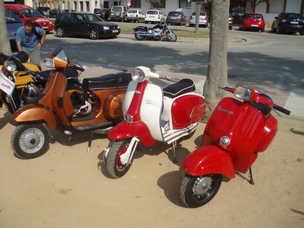les vieux scooters en tôle... P9040183