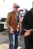 cenas do Johnny gravando para seu novo filme(Public Enemies) Th_Chicago1_board