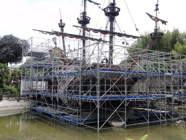 [Réhabilitation] Captain Hook's Pirate Ship devient Pirate Galleon (Galion Pirate) - Page 5 DSC01301