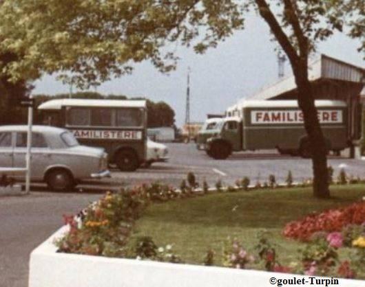 Photos et cartes postale 2cv camionnette  - Page 4 Familistegravere_zpsf83f6a3c
