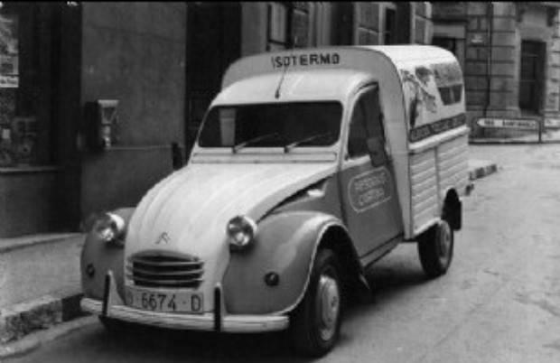 Photos et cartes postale 2cv camionnette  - Page 4 Pescados-Cortina2cvjpga_zpsb16ffefc