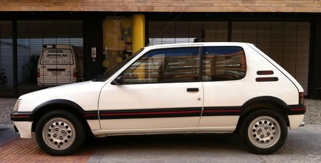 [Mercurio] 205 GTI 1.6 1992, Blanc Meije a Bogotá, Colombie 205GTI1Ene113