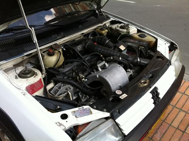 [Mercurio] 205 GTI 1.6 1992, Blanc Meije a Bogotá, Colombie 205GTI1Ene1131