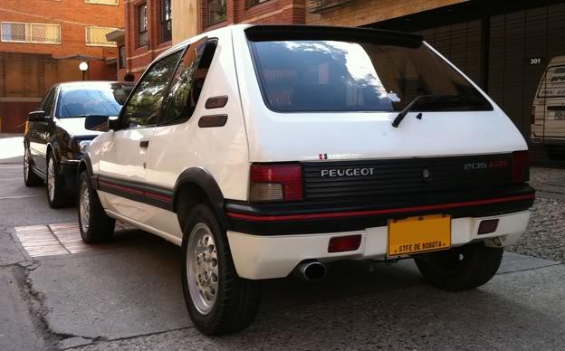 [Mercurio] 205 GTI 1.6 1992, Blanc Meije a Bogotá, Colombie 205GTI1Ene116