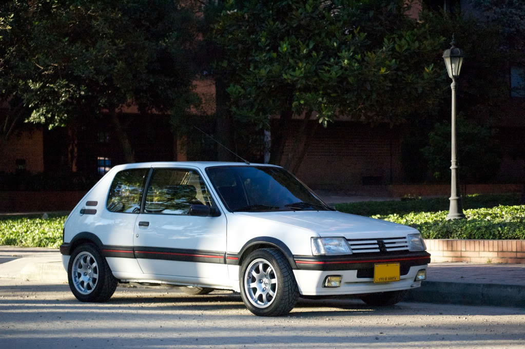 [Mercurio] 205 GTI 1.6 1992, Blanc Meije a Bogotá, Colombie - Page 3 205GTIEnero201216