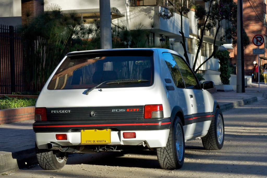 [Mercurio] 205 GTI 1.6 1992, Blanc Meije a Bogotá, Colombie - Page 3 205GTIEnero20127