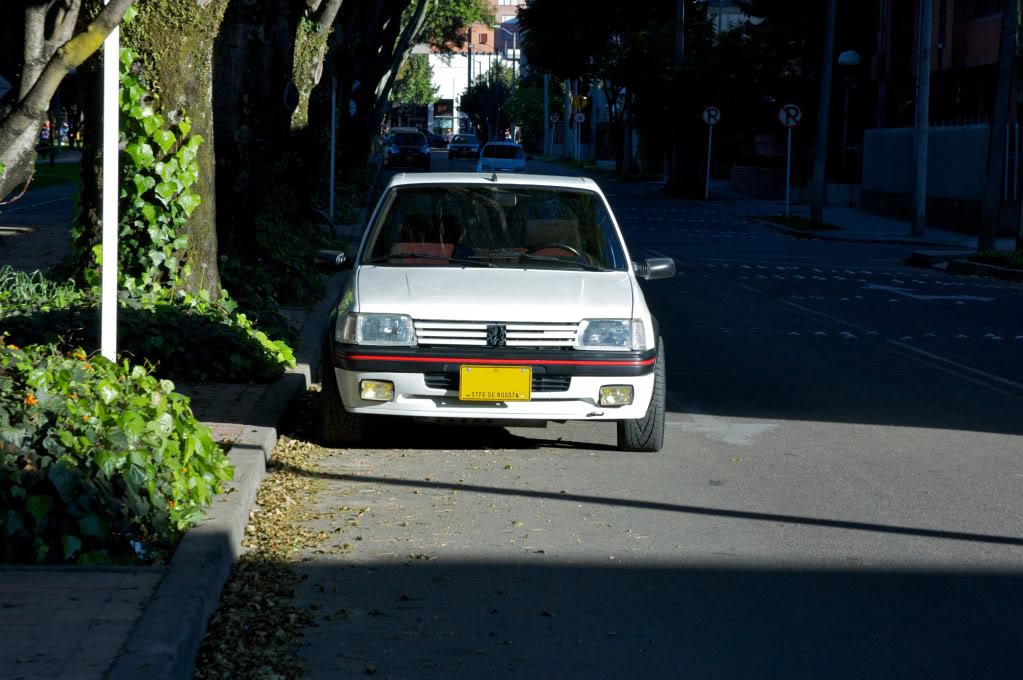 [Mercurio] 205 GTI 1.6 1992, Blanc Meije a Bogotá, Colombie - Page 3 205GTIEnero20128