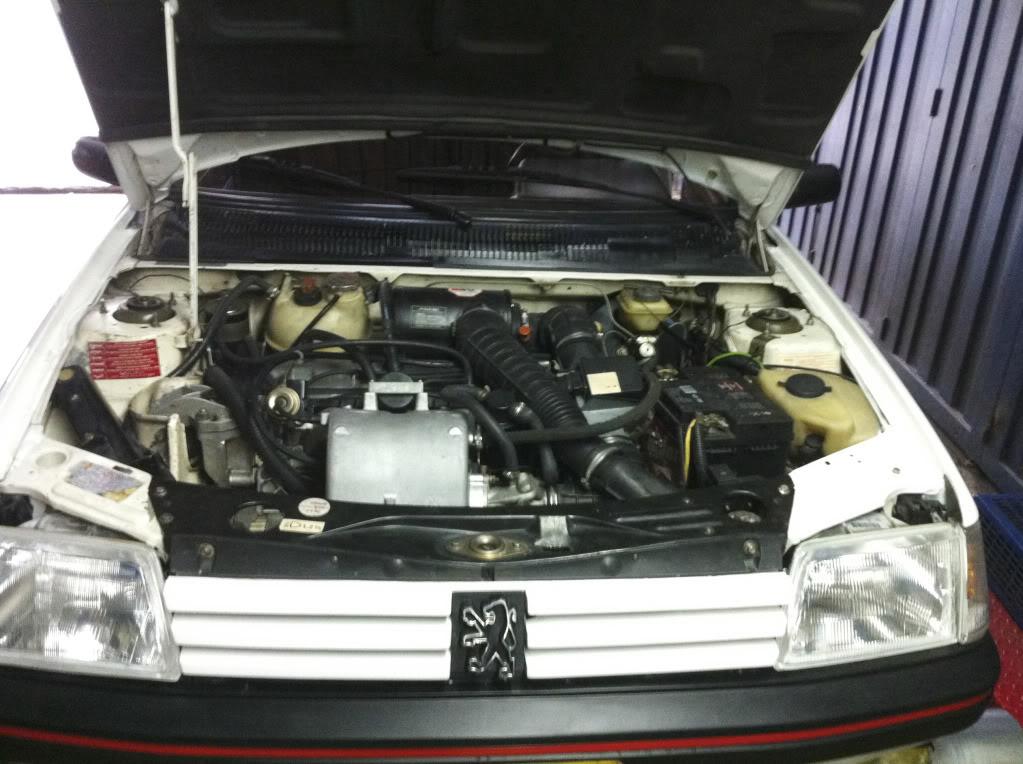 [Mercurio] 205 GTI 1.6 1992, Blanc Meije a Bogotá, Colombie 205GTIFeb01201117