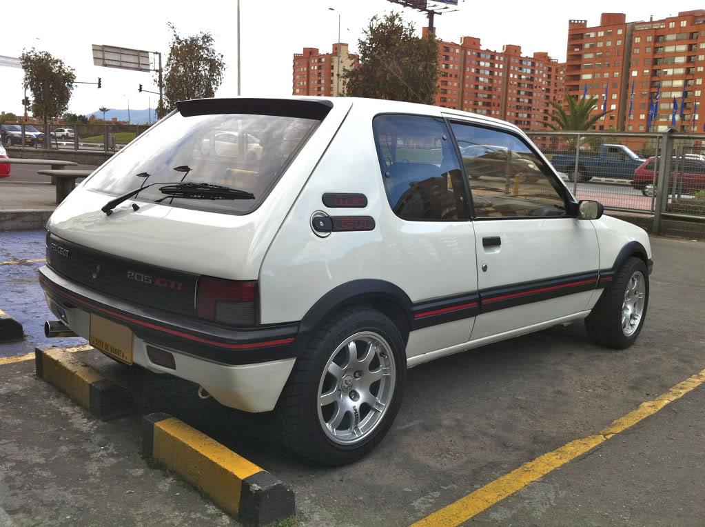 [Mercurio] 205 GTI 1.6 1992, Blanc Meije a Bogotá, Colombie - Page 3 205GTINiza3