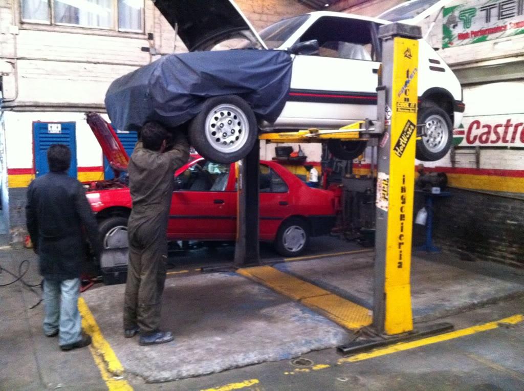 [Mercurio] 205 GTI 1.6 1992, Blanc Meije a Bogotá, Colombie 35985a1d