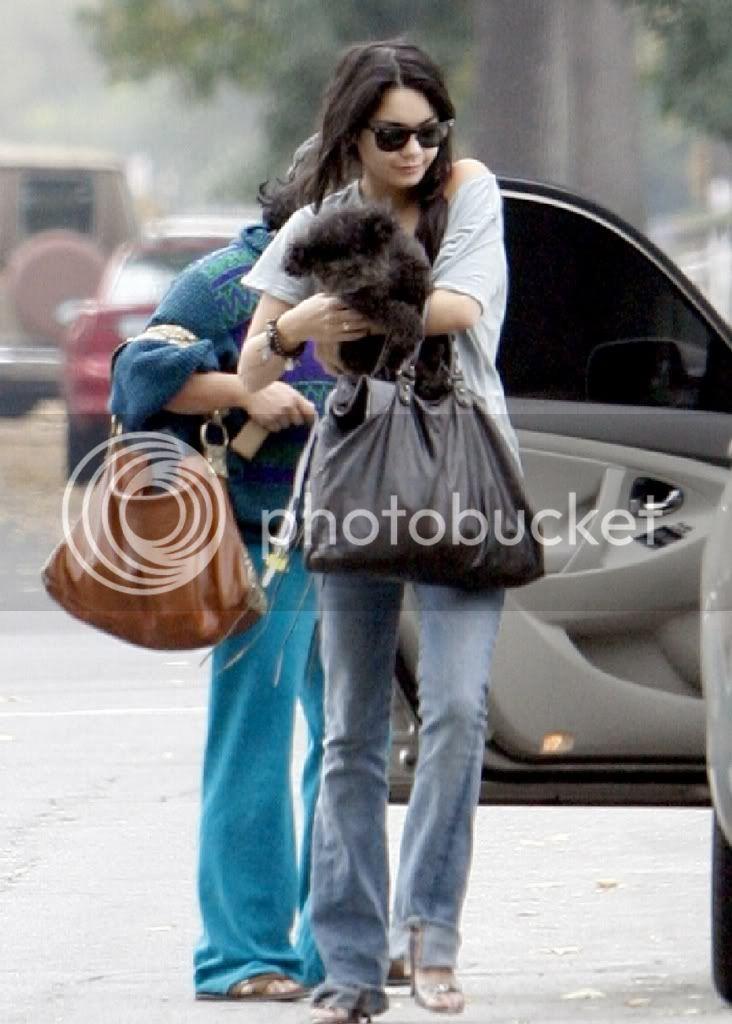 Vanessa i njen pas Shadow Vanessahudgenscombr_1